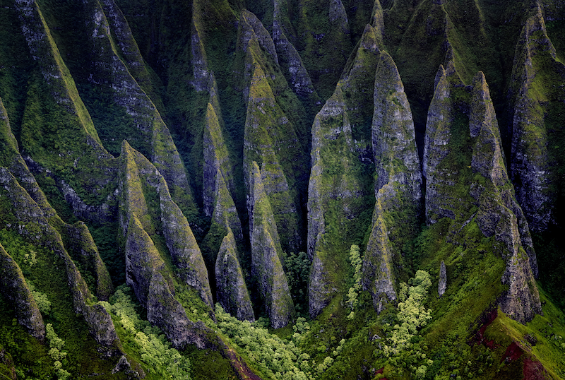 (CreativeWork) Na Pali Coast 2 by Stuart Chape. photograph. Shop online at Bluethumb.