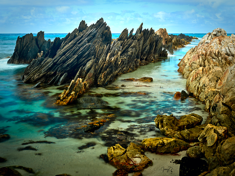 (CreativeWork) Hammersley Passage Rocks Pass by Jim Gow. photograph. Shop online at Bluethumb.