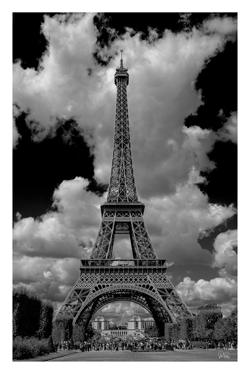 (CreativeWork) P 026 Eiffel Tower  by Peter Henning. photograph. Shop online at Bluethumb.