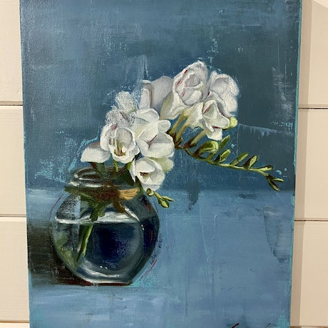 (CreativeWork) Floral Still Life by Suzanne Lawson. Oil Paint. Shop online at Bluethumb.